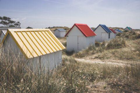 les cabanes de plages de Gouville sur mer
