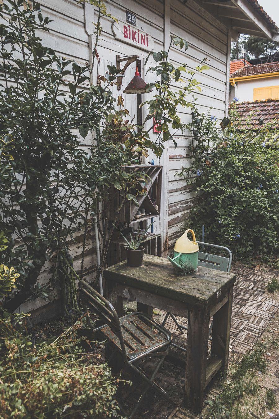 Envie de visiter le Bassin d'Arcachon ? Vous n'avez jamais eu la chance de monter la dune du Pilat ? Cet article est fait pour vous. Partez à la découverte du Cap Ferret, de la ville d'hiver d'Arcachon et des jolis villages ostréicoles lors d'un week-end bien mérité. #roadtrip #nouvelleaquitaine #france #vacances / Bassin d'Arcachon / Arcachon bassin / Gironde France / Gironde tourisme / Gironde paysage / Gironde visite / Nouvelle Aquitaine France
