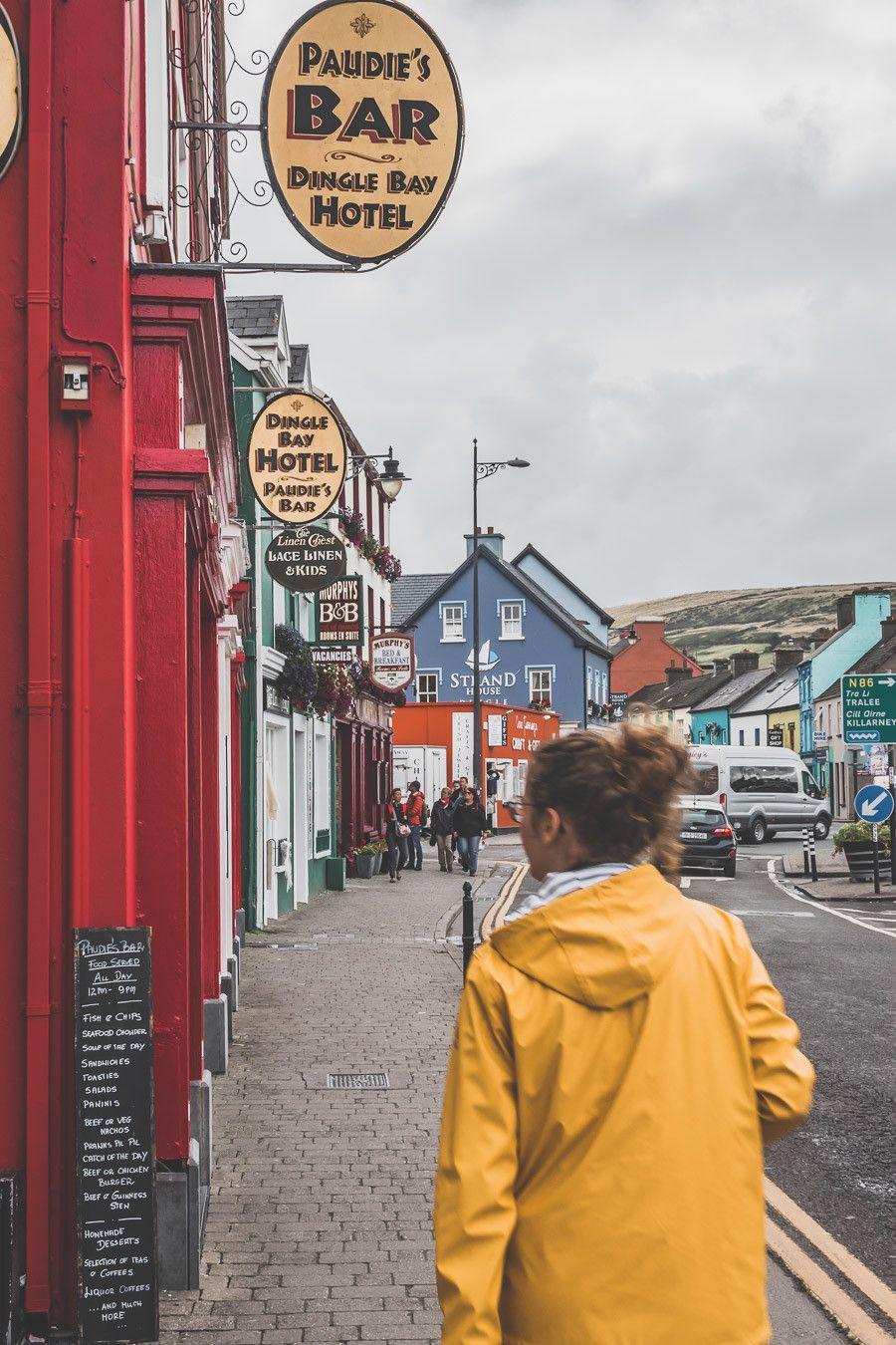 la petite ville de dingle en irlande
