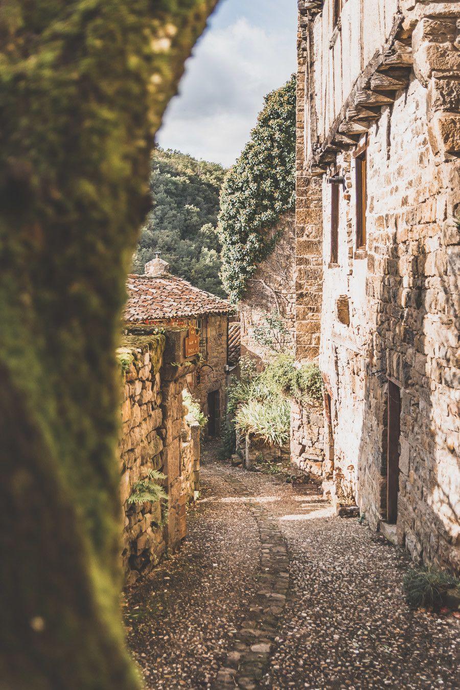 Village médiéval en France