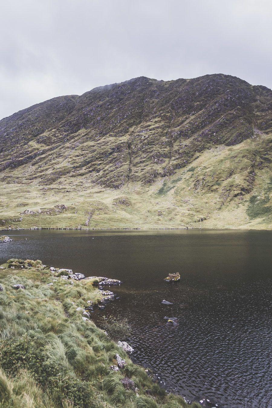 Vue sur le lac Barfinngy dans le parc national du Killarney