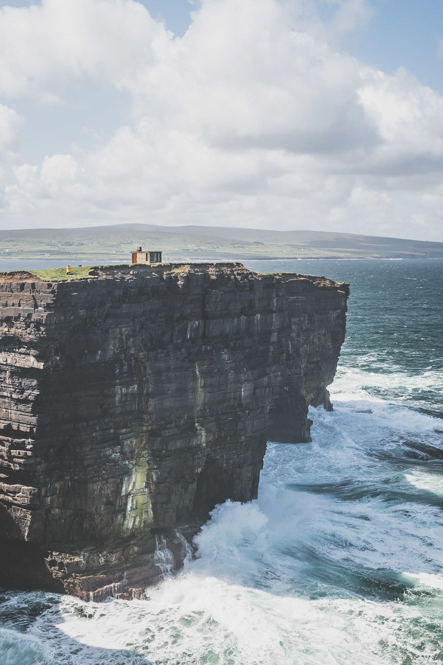 Les falaises vertigineuses de Downpatrick Head