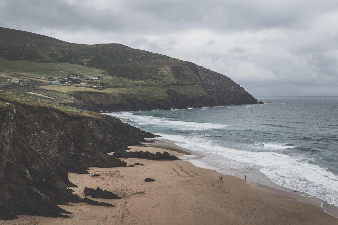 La plage de Dunmore en Irlande du Sud