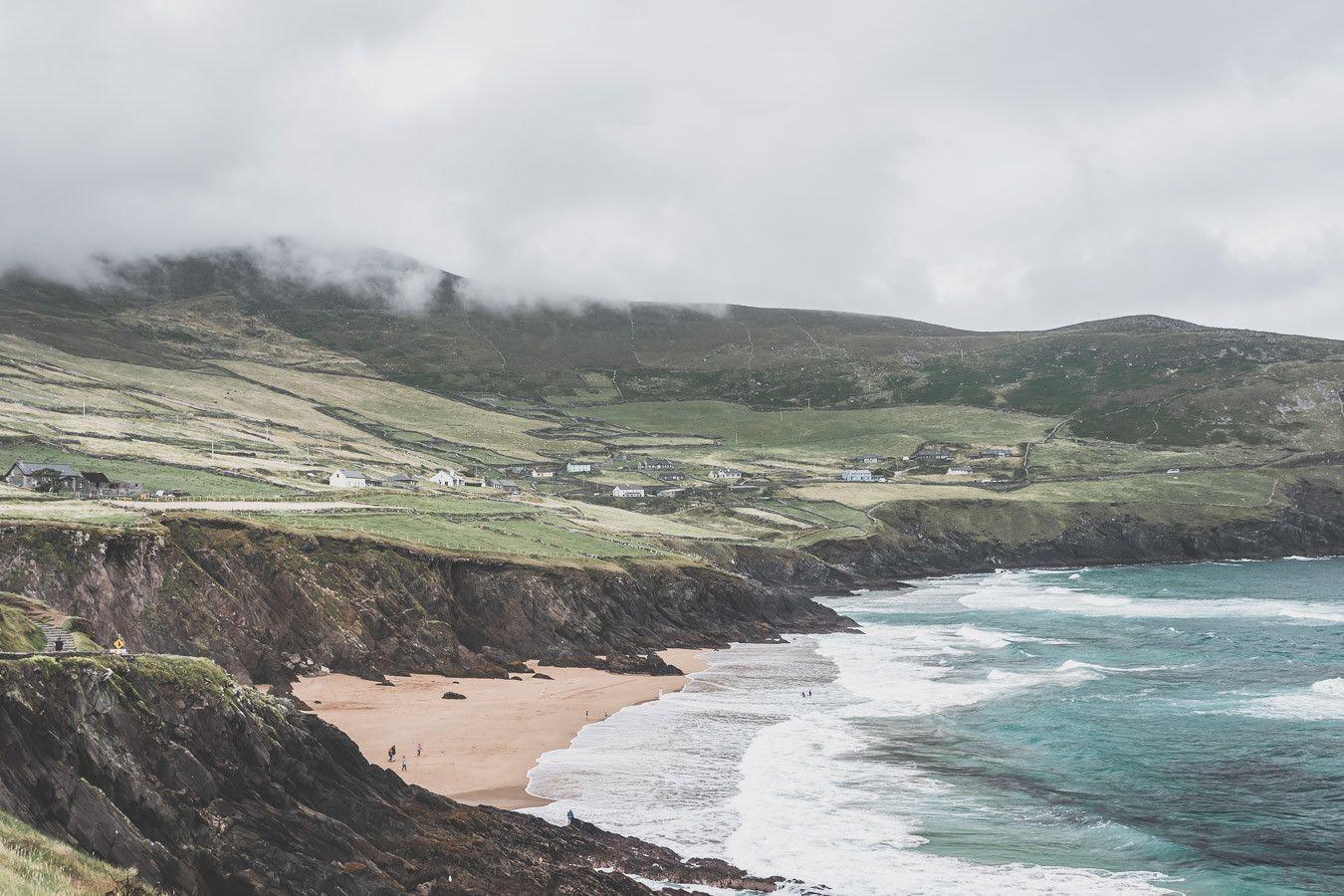 La plage de Dunmore Head dans le comté de Kerry