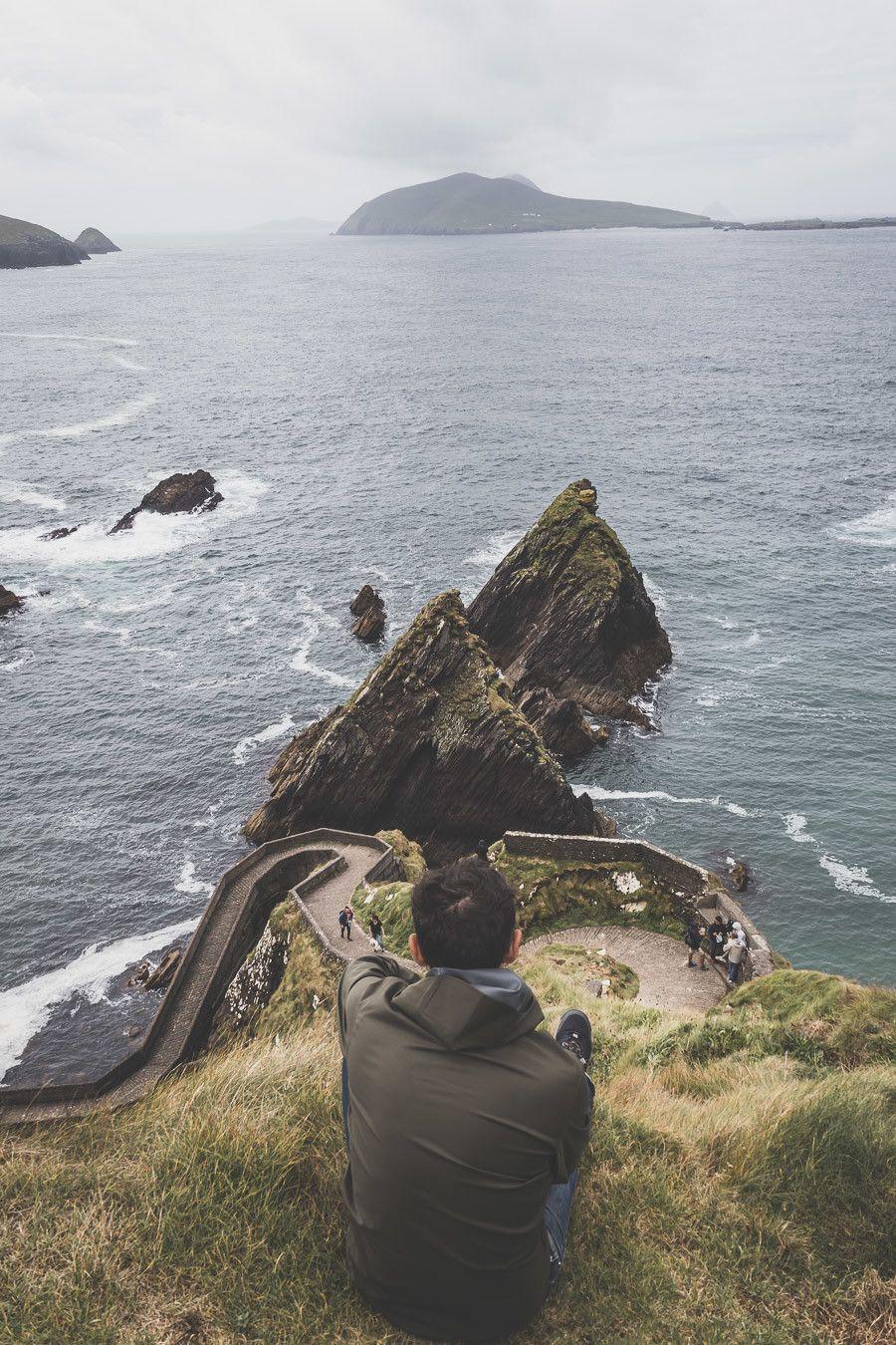 S'asseoir et contempler la beauté de l'Irlande