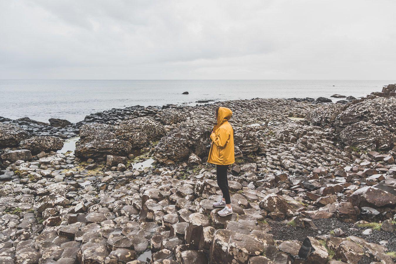 Vous ne connaissez pas encore l'Irlande-du-Nord ? Vous rêvez d'un voyage en Irlande-du-Nord ? Cet article est fait pour vous ! Il vous aidera à préparer votre road trip dans des lieux incroyables comme la Chaussée des Géants ou le pont Carrick-a-Rede. Vous découvrirez des lieux de tournage de Game of Thrones. Road t