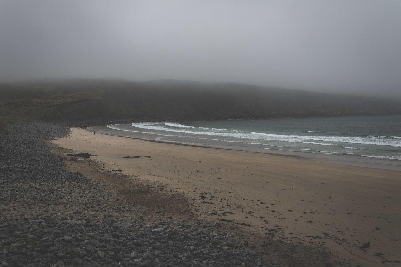 La brume irlandaise passage obligatoire d'un road trip
