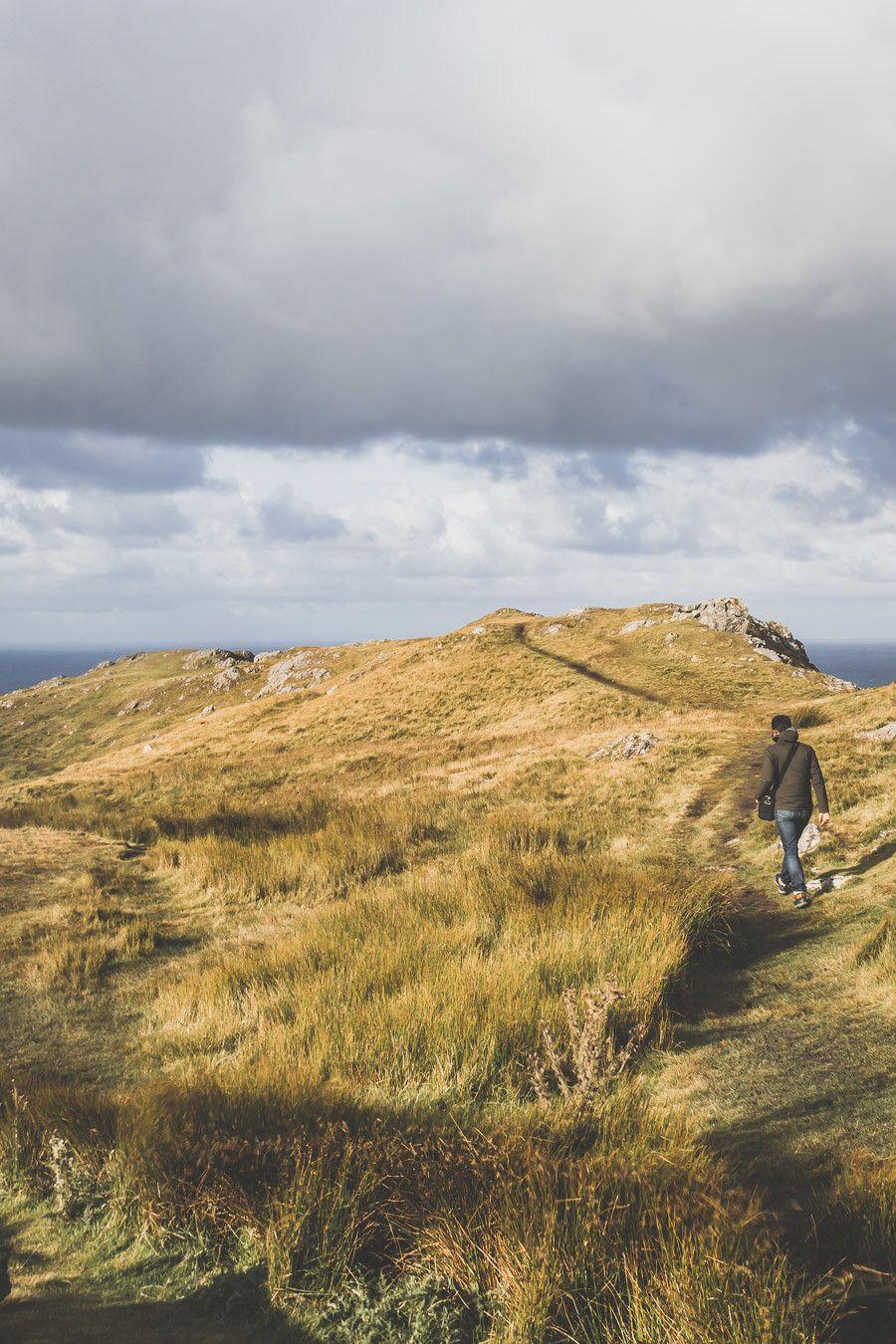 Vous planifiez un road trip en Irlande ? N'oubliez pas le comté de Donegal. Entre belles plages et falaises imposantes, ce comté saura vous surprendre et vous émerveiller. Vous trouverez dans cet article conseils pratiques et itinéraire. Irlande road trip / Road trip Irlande / Irlande paysage / Irlande / Donegal Ireland / Donegal things to do / Voyage Irlande / Voyage en Irlande / Carnet de voyage Irlande / Carnet voyage Irlande