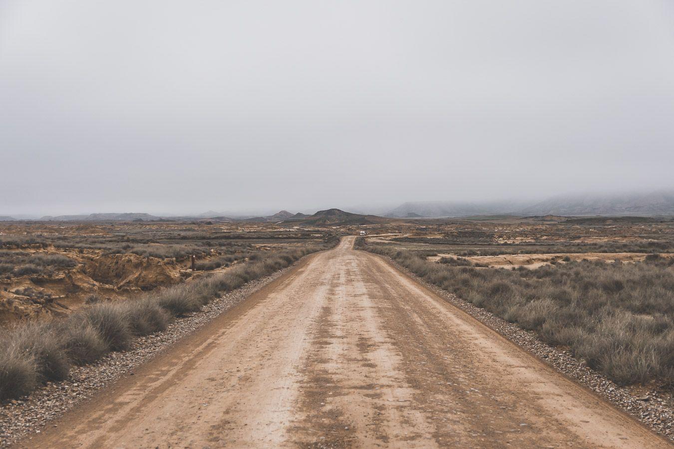 observer l'horizon dans le désert des Bardenas