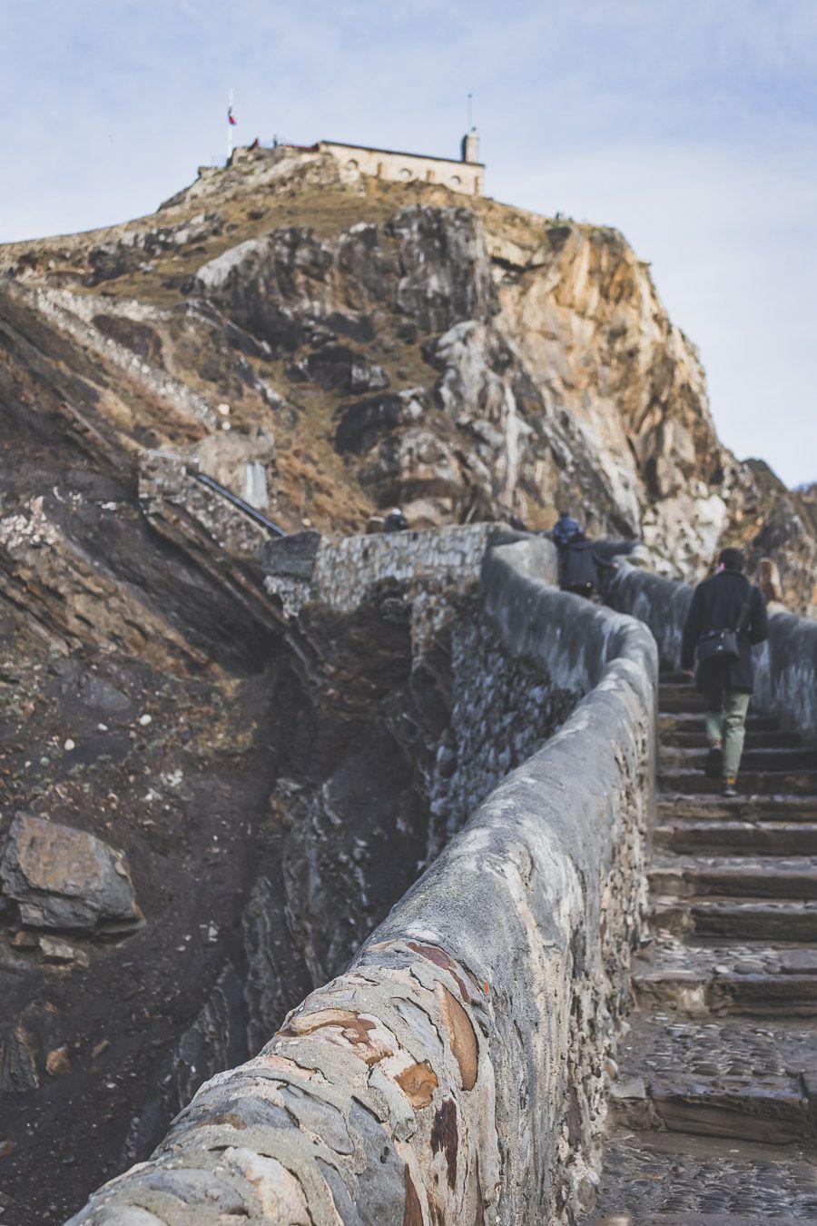 Gaztelugatxe, une étape incontournable lors d'un road trip au Pays basque espagnol
