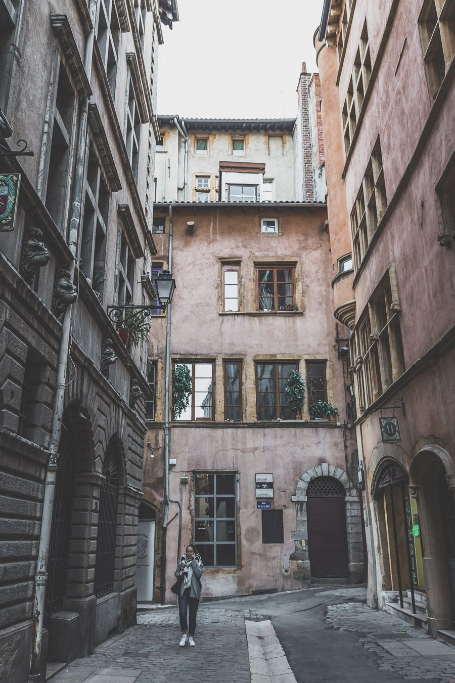 Se promener dans le Vieux-Lyon, rue Juiverie
