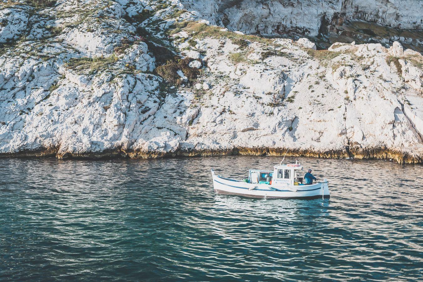 pêcheur marseillais au petit matin