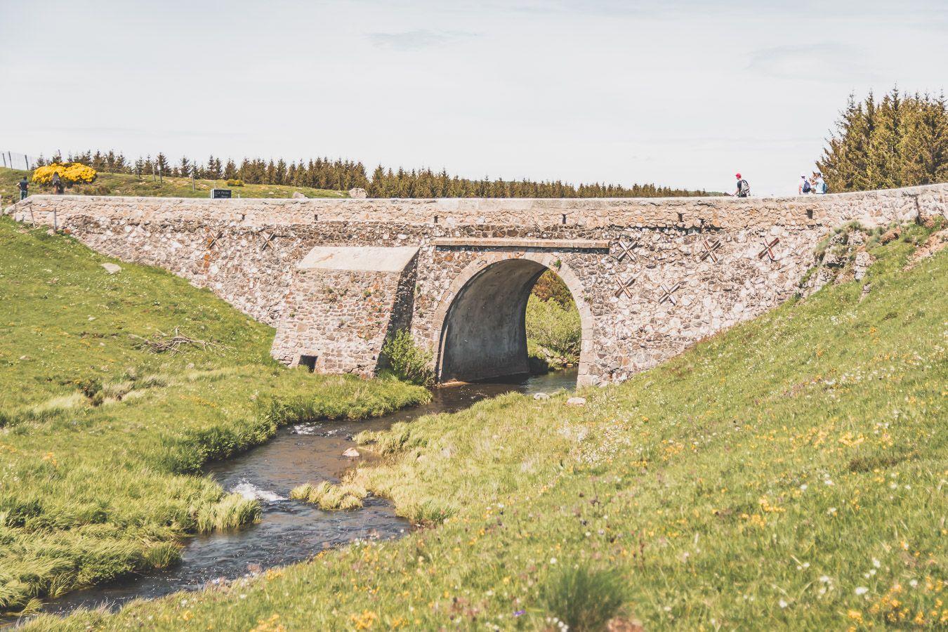Joli pont en Lozère