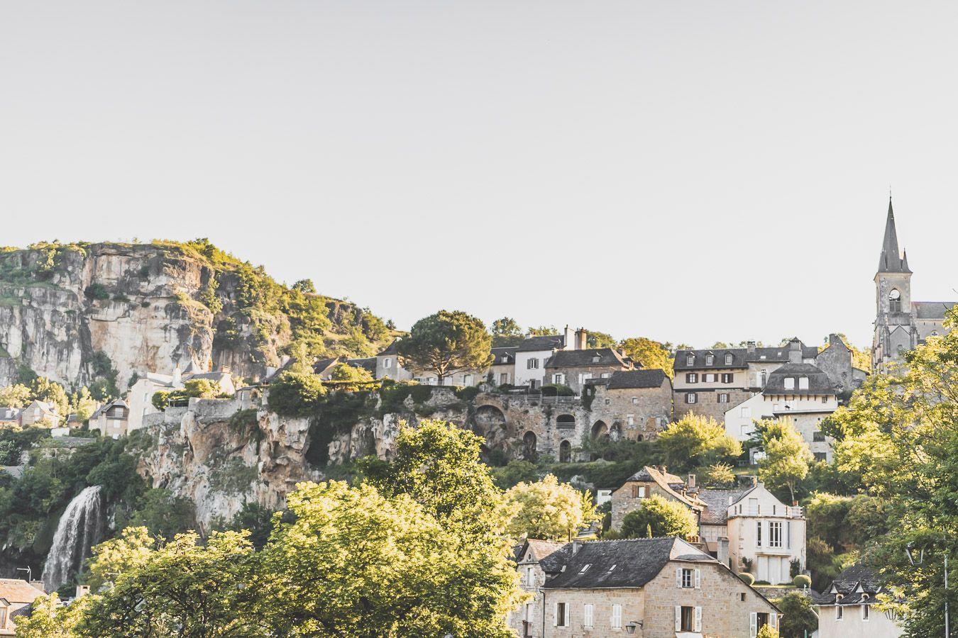 Vue sur le village de Salles-la-Source