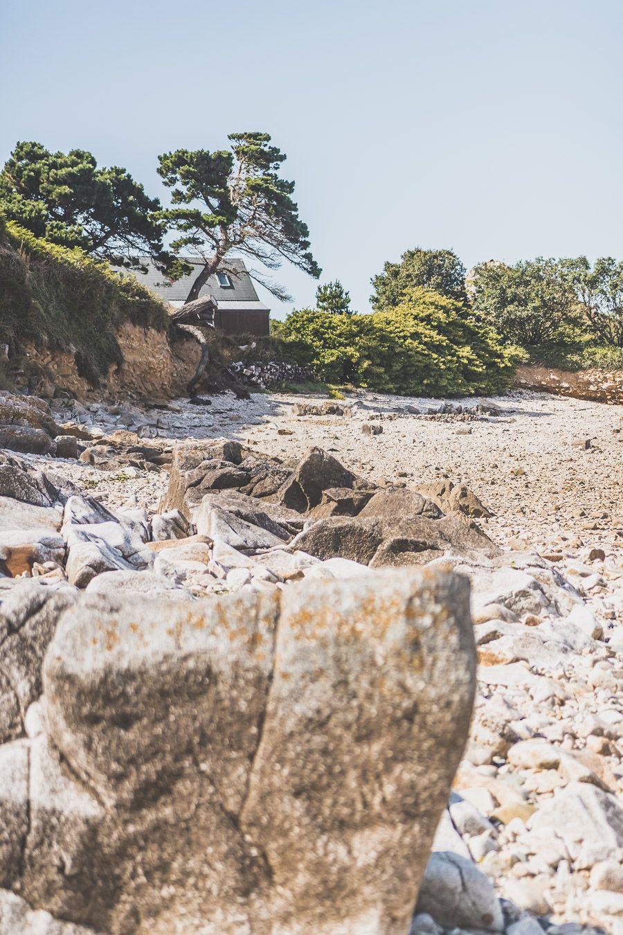 Tu planifies ton voyage en Bretagne et tu te demandes que visiter dans le Finistère ? Trouve le meilleur du Finistère sur notre blog! #finistere #bretagne #weekend #france #vacances / Vacances en Bretagne / Vacances dans le Finistère / Road trip en Bretagne / Vacances en France / Travel in France / Voyages / Vacances en France / Voyage en France / Bretagne paysage / Bretagne Finistère / Bretagne France / Bretagne visite / Bretagne voyage / Bretagne vacances / Destinations de voyages / Europe