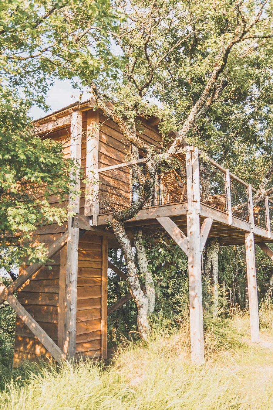 Cabane dans les bois dans le Gers