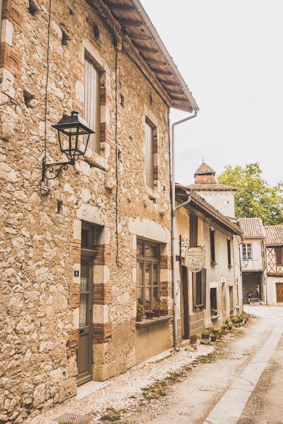Village de Sarrant dans le Gers