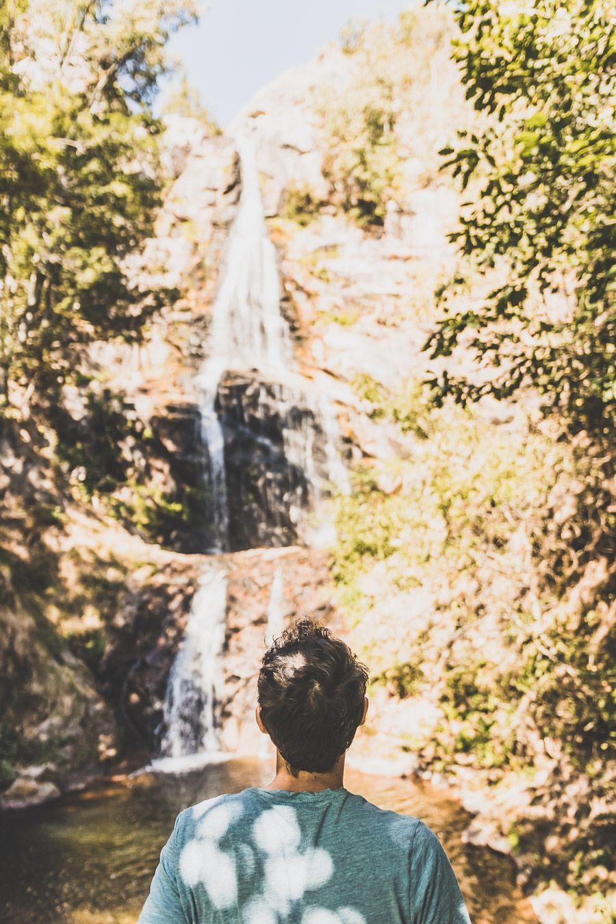Admirer la cascade de Runes