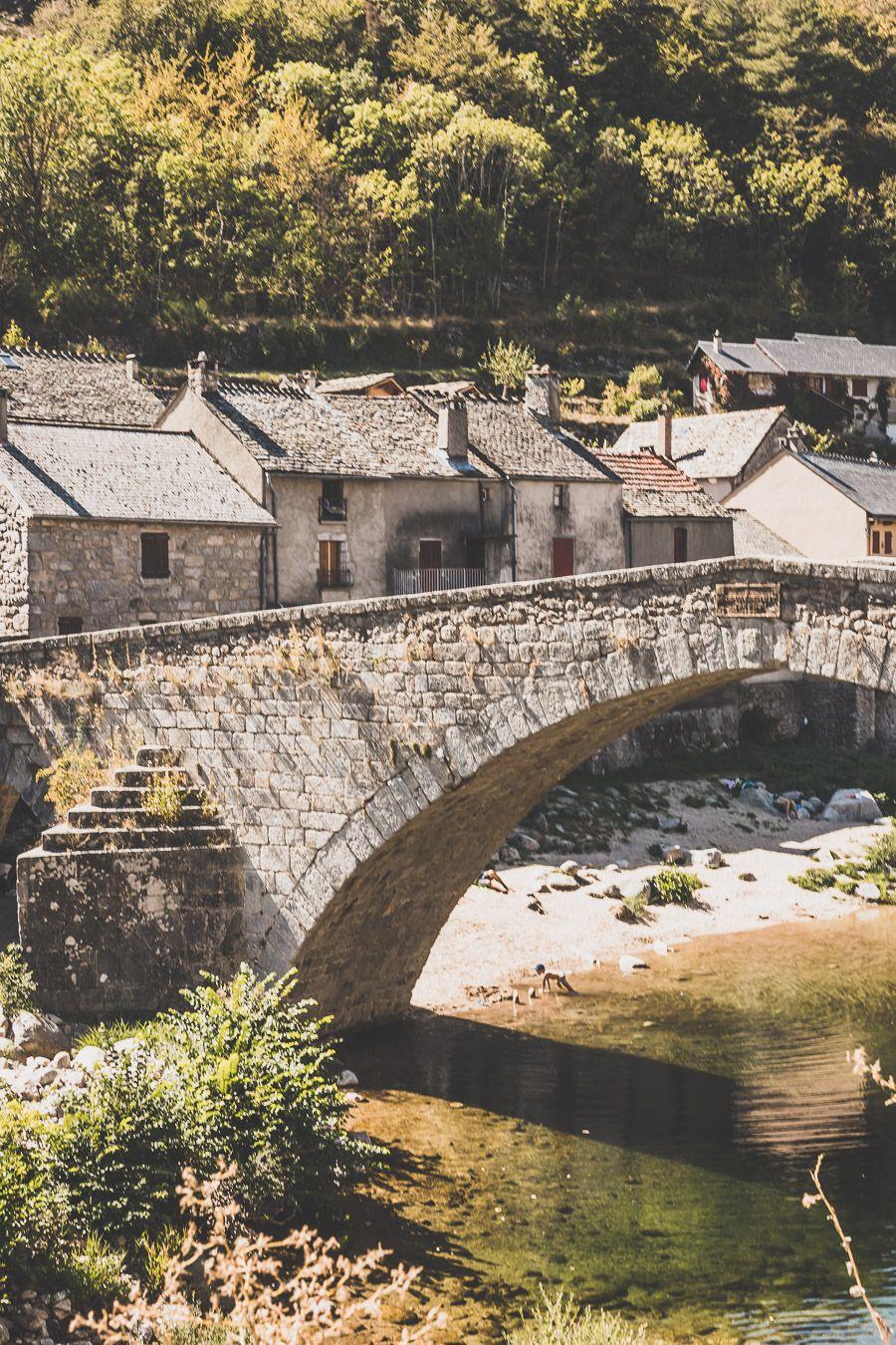 Le Pont-de-Montvert : village sur le chemin de Stevenson, au coeur des Cévennes