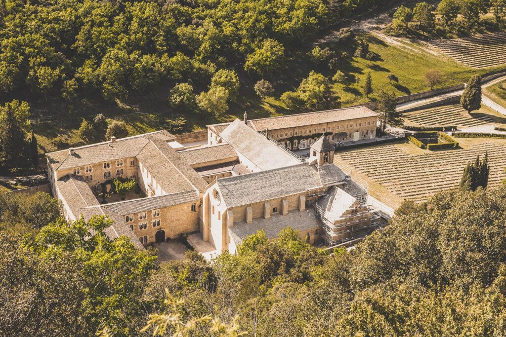 Abbaye de Sénanque dans le Vaucluse